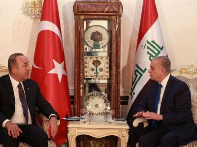 Turkish FM visits Iraq to discuss trade, water