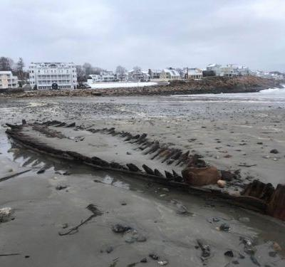 Powerful nor'easter uncovers shipwreck off Maine coast