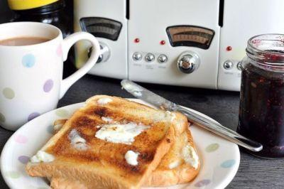 Eating brown toast, crispy potatoes and other burnt foods might cause cancer