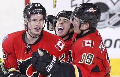 Flames tinker at deadline, but stay the course with key players