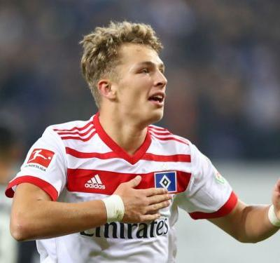 Bayern target Arp signs new Hamburg contract until 2020