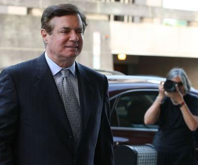 Mueller's team accuses Manafort of attempted witness tampering