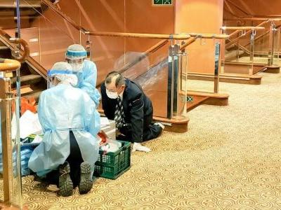 Passengers on the cruise ship quarantined off Japan over coronavirus are 'stir crazy' in cramped rooms, and say they're being fed stale bread