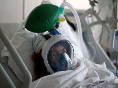 80% of New York's coronavirus patients who are put on ventilators ultimately die, and some doctors are trying to stop using them
