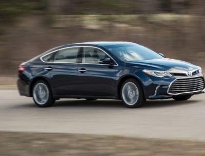 2018 Toyota Avalon in Depth: Lexus Refinement Without the Expense