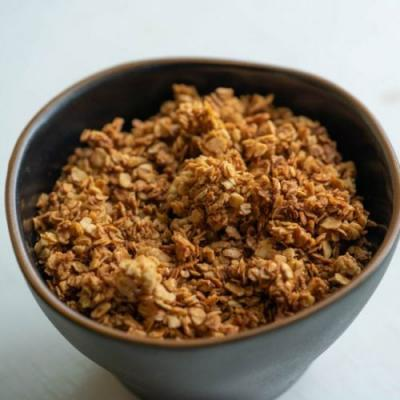 Simple Crunchy Clusters Granola