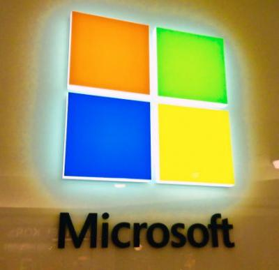 Microsoft takes on Google News with new app for iPhone, Android, and Windows 10