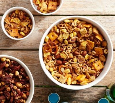 5 Quick and Easy Snack Mixes That'll Make Your Party