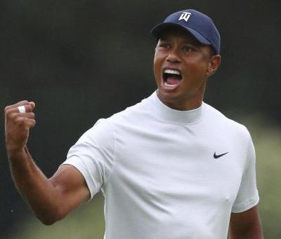 Tiger Woods lurks behind largest tie for first after 36 holes in Masters history