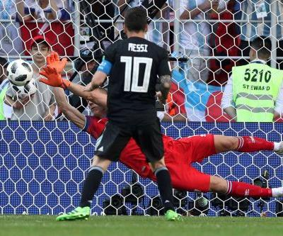 Iceland ties Argentina, stops Messi on penalty, in Cup stunner