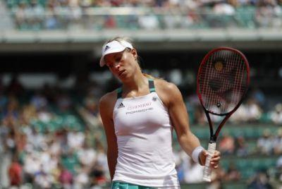 Dubious French Open first for Angelique Kerber