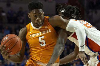 No. 3 Tennessee dodges upset bid by Florida