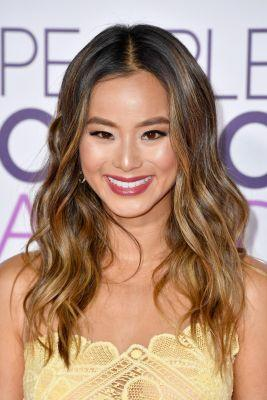 Jamie Chung's Nails the Cali-Cool Waves You Keep Attempting With Your Curling Iron