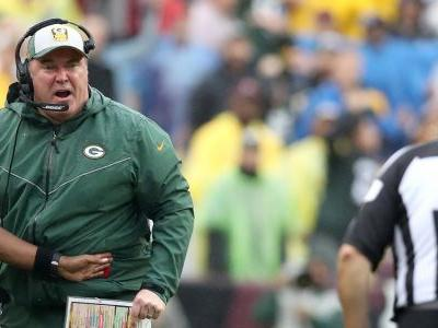 Packers coach Mike McCarthy freaks out at referees after Clay Matthews called for another questionable roughing-the-passer penalty
