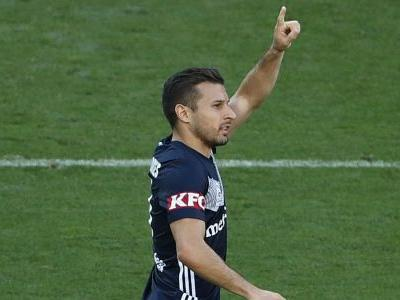 Melbourne Victory and Wellington Phoenix share spoils in six-goal thriller