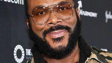 Tyler Perry Surprises Layaway Shoppers At Two Atlanta-Area Walmarts
