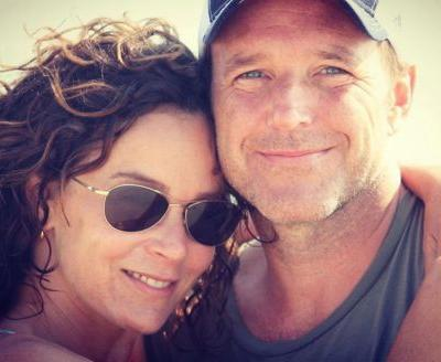 Jennifer Grey and Clark Gregg announce divorce after 19 years of marriage