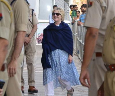Hillary Clinton injured in India: hospital