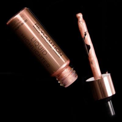 Makeup Revolution Liquid Lustre Gold Liquid Highlighter Review, Photos, Swatches
