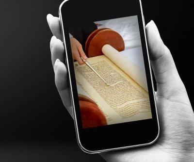 Live-Streaming Brings Synagogue Services Into People's Homes