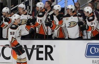 Ducks spoil Karlsson's Sharks debut with win in opener