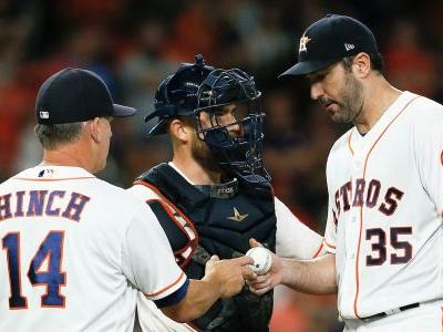 Astros' win streak ends at 12