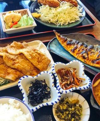 "Plan a Japanese Meal: One Soup Three Dishes ""Ichiju Sansai"""