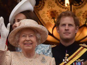 The Queen Has Released A Statement About Prince Harry And Meghan Markle's Wedding