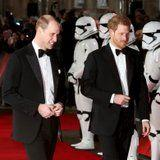 Finally! Watch the Deleted Scene of Prince Harry and Prince William in The Last Jedi