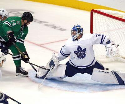 Matthews, Tavares score 2 each, Maple Leafs beat Stars 7-4