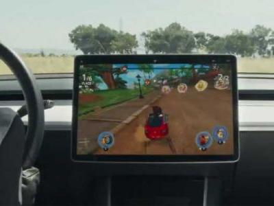 Beach Buggy Racing 2 uses the Tesla steering wheel as a controller
