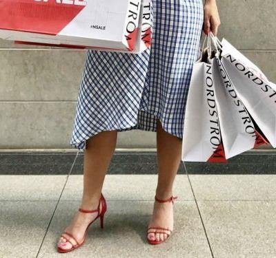 Nordstrom is having a huge sale on sandals right now - here are the 19 best pairs to buy for women and men