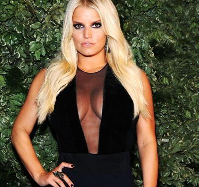 Jessica Simpson's Daughter Loves MAC Makeup - & The Internet Is Not Happy