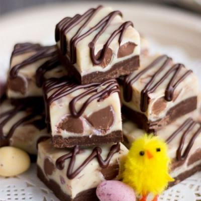 Crazy Easy Mini Egg Chocolate Fudge