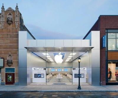 Minneapolis Apple store targeted during protests