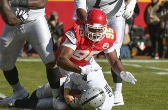 Raiders' Carr crashes as Chiefs beat up Oakland QB in win