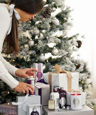 Holiday Gifting with the Molton Brown Muddled Plum Collection