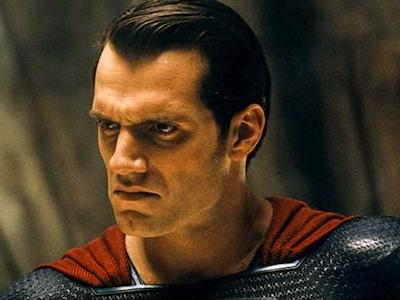 Why Superman Behaves The Way That He Does In That Pivotal Justice League Scene