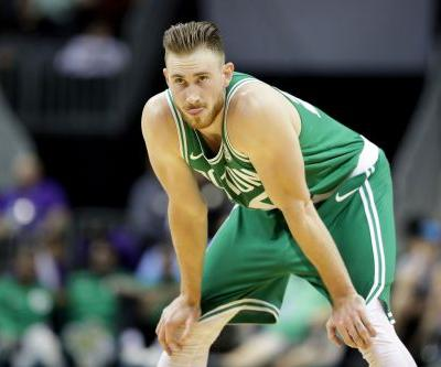 Gordon Hayward suffers gruesome injury in Celtics debut