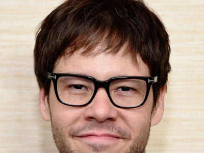 Ike Barinholtz Broke His Neck While Filming A Stunt For His Upcoming Movie