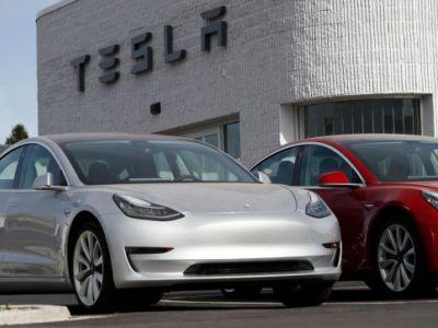 Tesla Will Finally Start Making The $35,000 Model 3 In Early 2019, According To Elon Musk