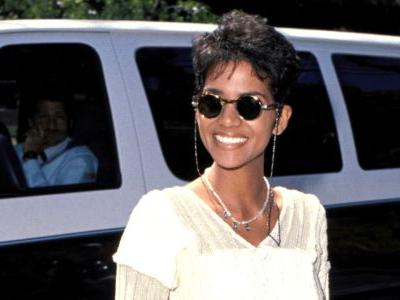 Great Outfits in Fashion History: Halle Berry in Cuffed Denim Shorts in 1994