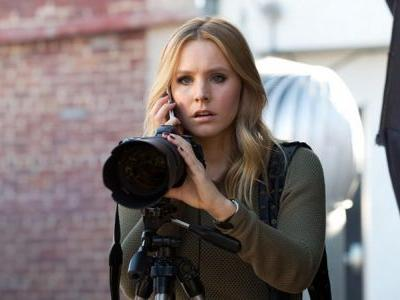 Kristen Bell, Rob Thomas Post Photos From the Veronica Mars Revival Set