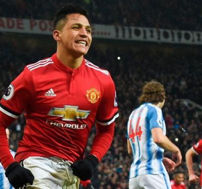 Persistence pays off for Sanchez as Man United overcome teething problems
