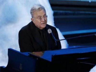 Coronavirus: Randy Newman releases new song on social distancing Stay Away