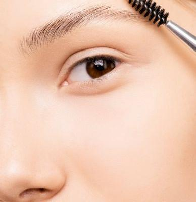 Brow Lamination: Getting The Perfect Eyebrows Without The Needles