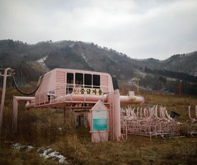 Creepy photos show the abandoned ski resort that's decaying near the border between North and South Korea
