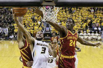 Missouri wins despite Porter's injury
