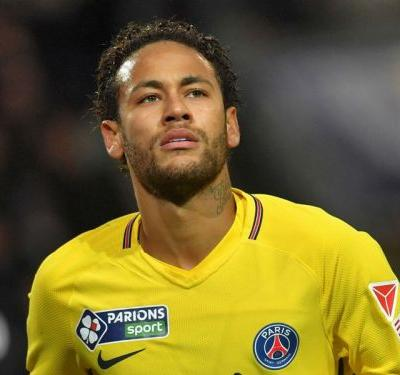 Neymar must be more respectful of opponents, says Raggi