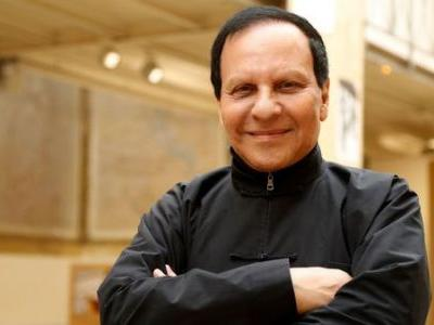 Azzedine Alaia, French Fashion Designer Known As The 'King Of Cling,' Dies